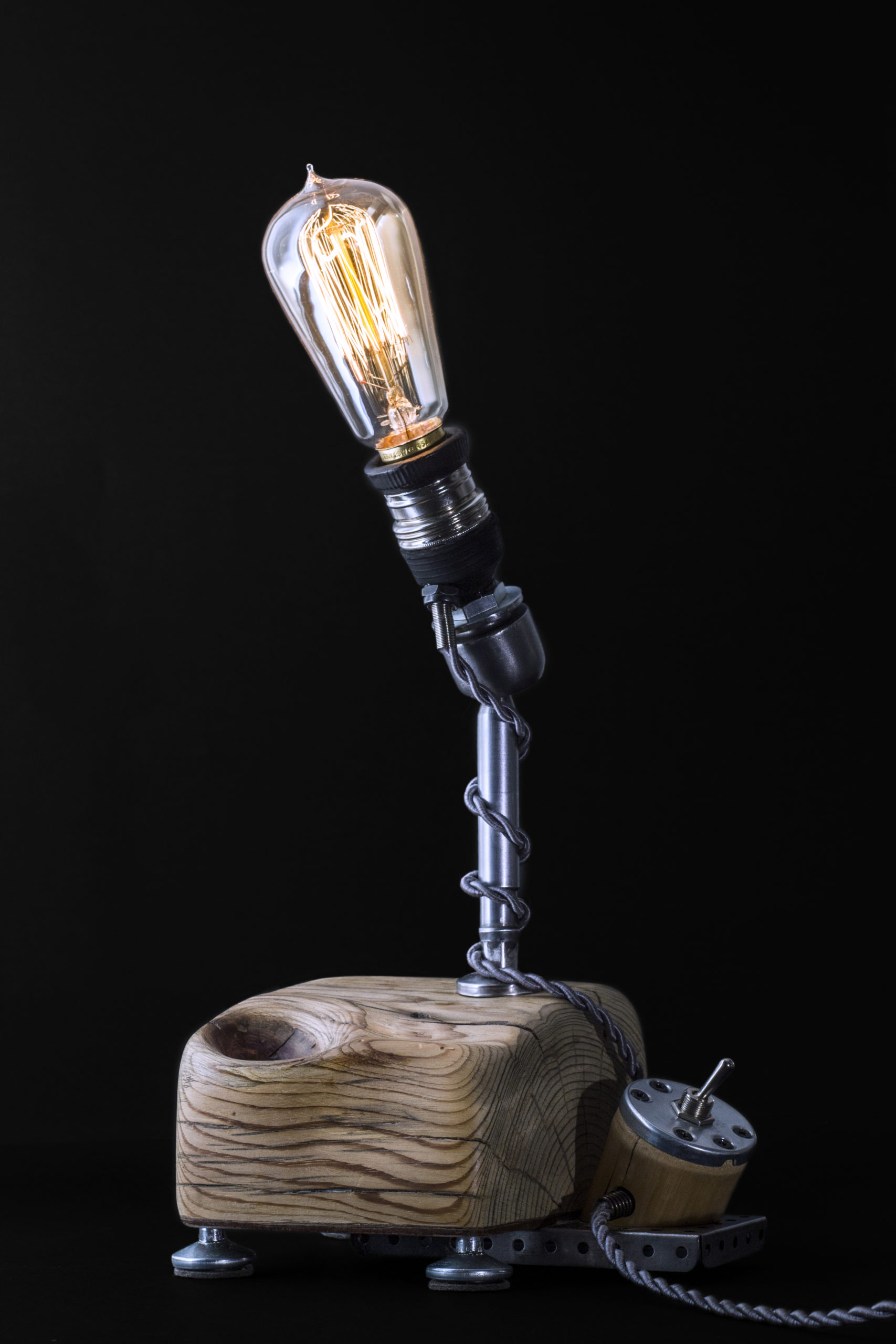 BALL-JOINT LAMP 2 ART BY CHEM